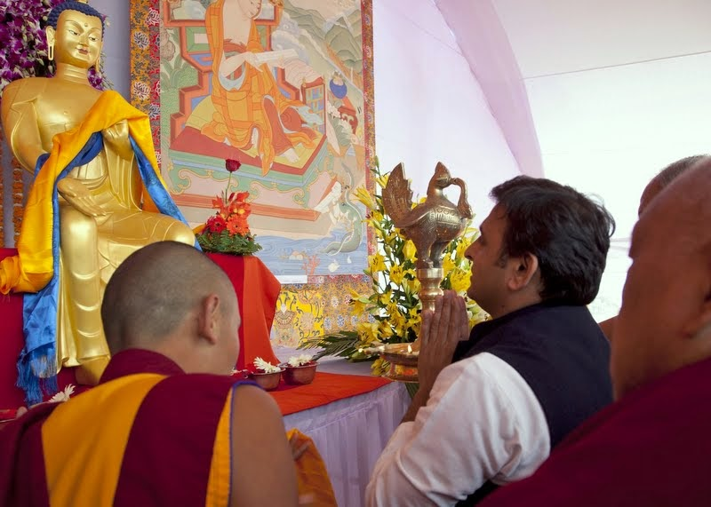 Uttar Pradesh Chief Minister Akhilesh Yadav with Lama Zopa Rinpoche, Kushinagar, India, December 13, 2013. Photo by Andy Melnic.