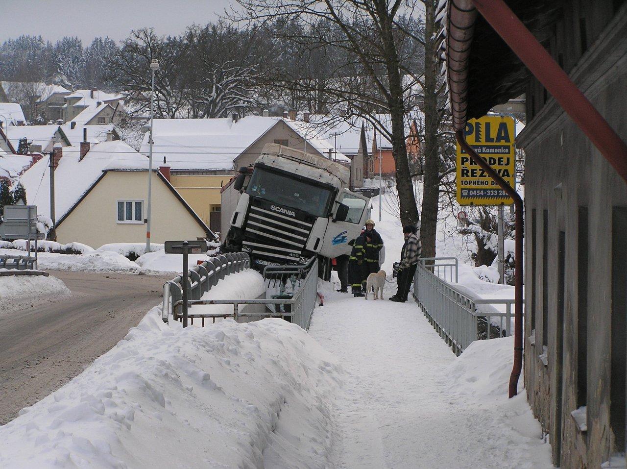 Nehoda kamionu - P1280079