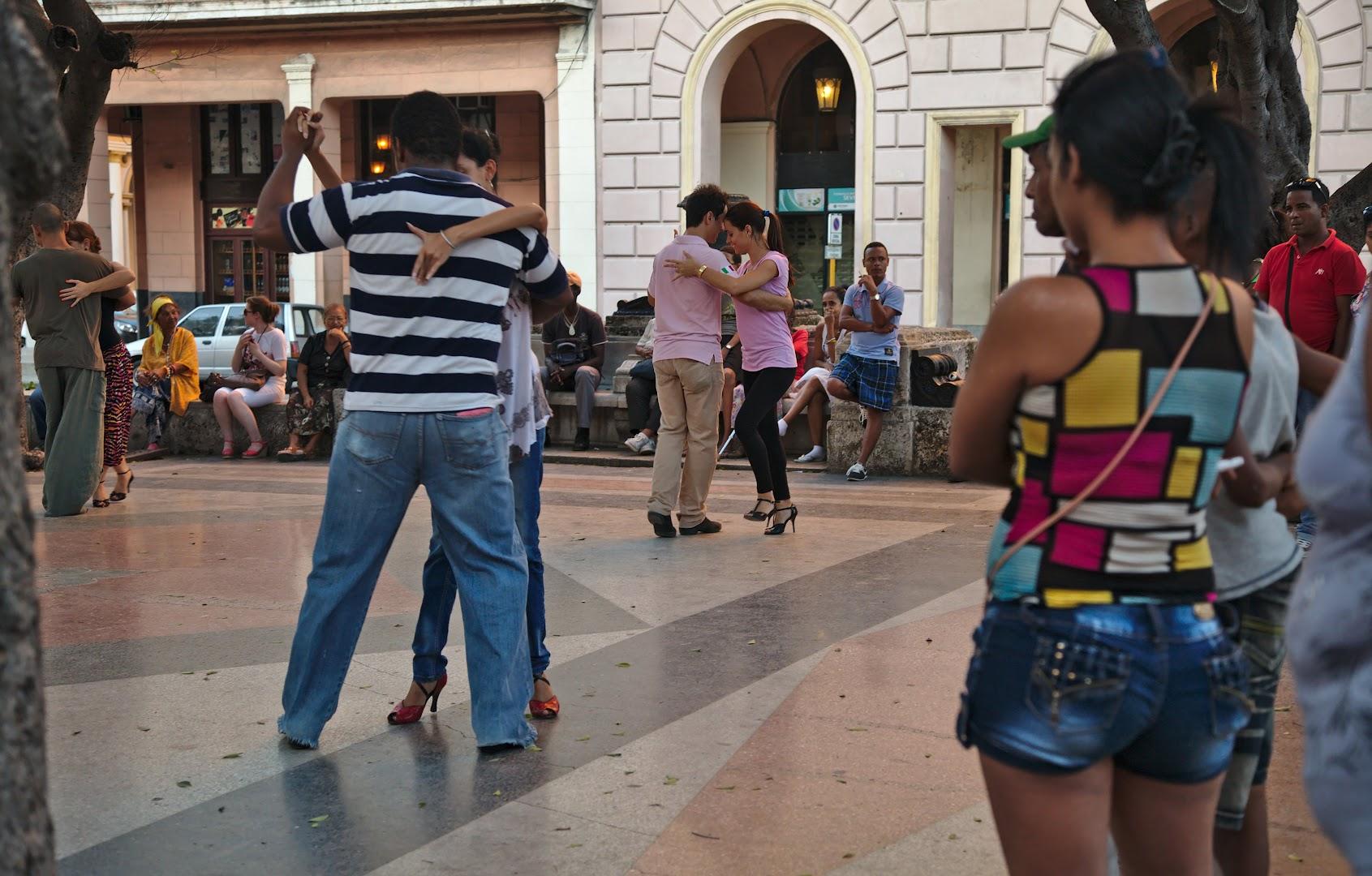 Salsa on the street