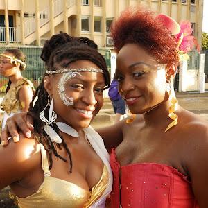 Foyal Parade 2015 clin d'oeil aux autres groupes dans les rues du centre ville de Fort de France