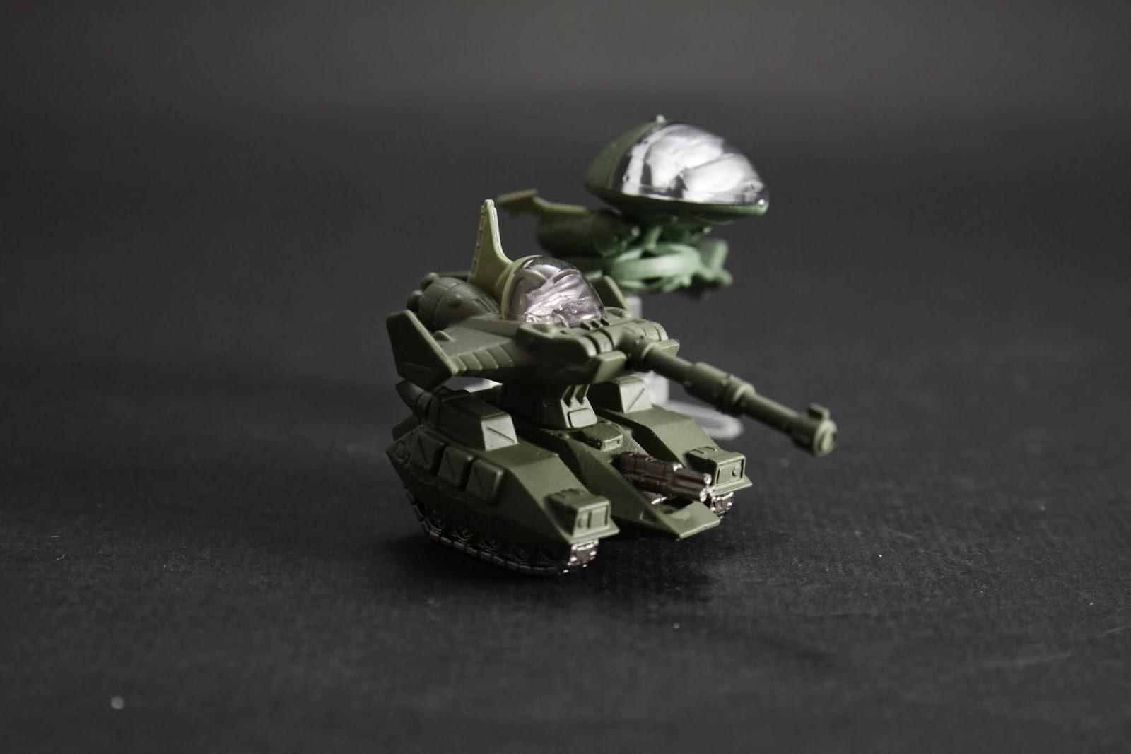 吉翁軍一年戰爭初期用的戰機跟坦克 主要還是輔佐MS作戰
