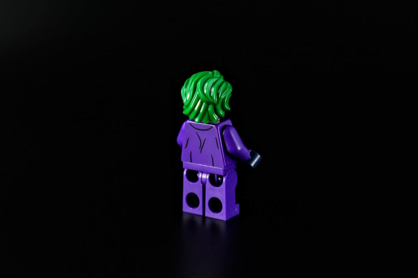 當然慣例就是綠色頭髮跟紫色衣服
