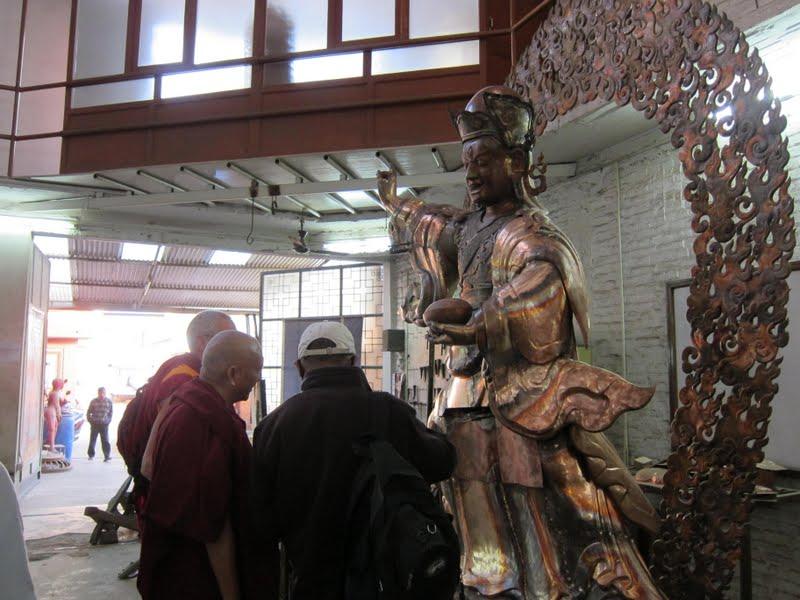 Padmasambhava statues for Lawudo in process