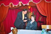 Journée du Livre 11 Ambiance, Franck avec une auteure, Radio télé Festival 02 Cossé 2002