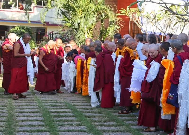 Lama Zopa Rinpoche'sarrivalatSeraJeMonastery,OselLabrangdriveway, India, December 16, 2013.Photo byVen. ThubtenKunsang.