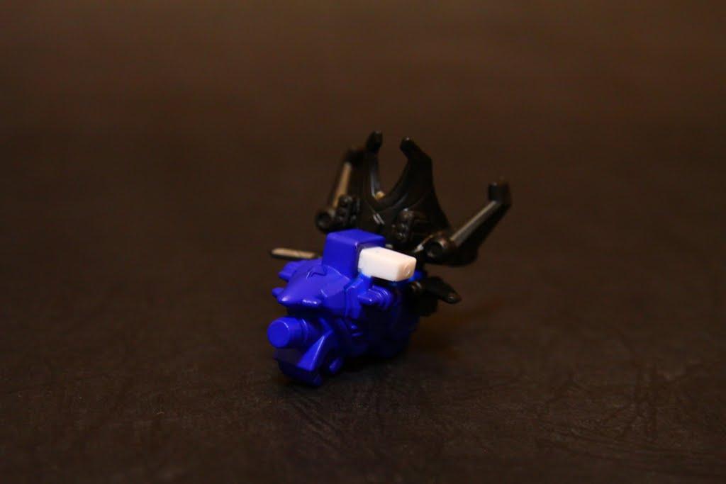 豪快噴射機: 豪快藍的座機 也是豪快王的右手以及頭盔組件 後面頭盔有點大 不過本款外型是SD