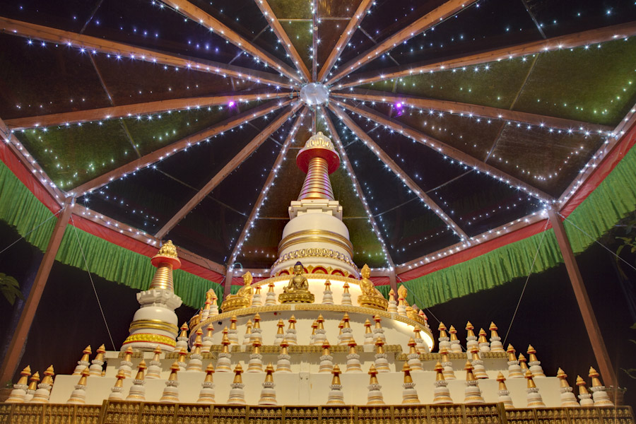 Stupa at Kachoe Dechen Ling