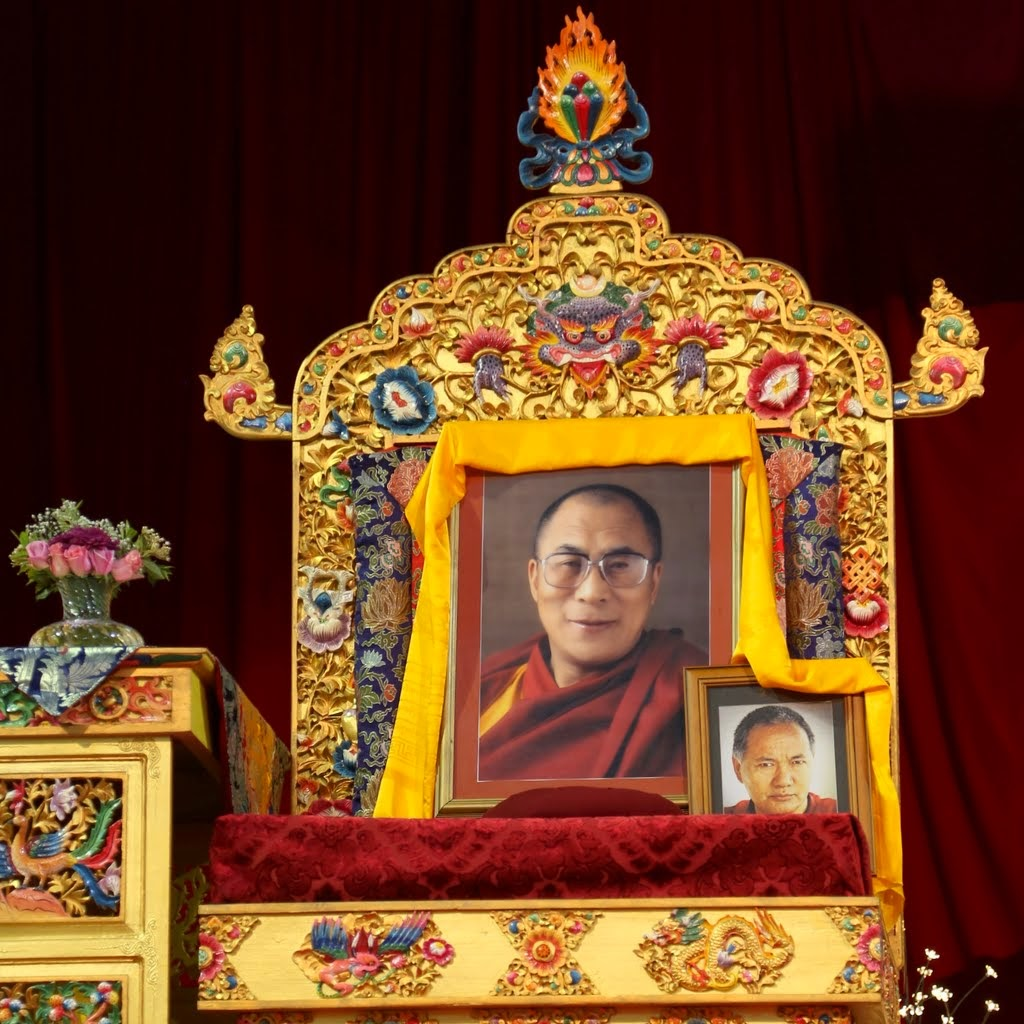 Photos of His Holiness the Dalai Lama and Lama Yeshe on the throne next to Lama Zopa Rinpoche at the retreat in Australia, October 2014. Photo by Ven. Thubten Kunsang.