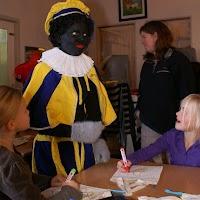Sinter Klaas in de speeltuin 28-11-2009 - PICT6762