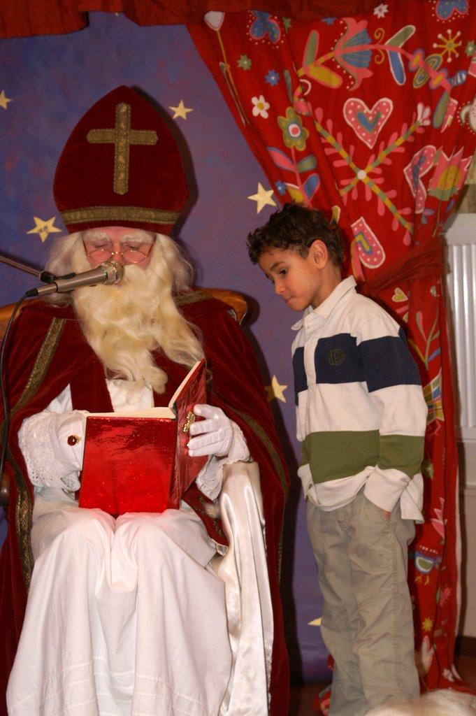 Sinter Klaas in de speeltuin 28-11-2009 - PICT6810