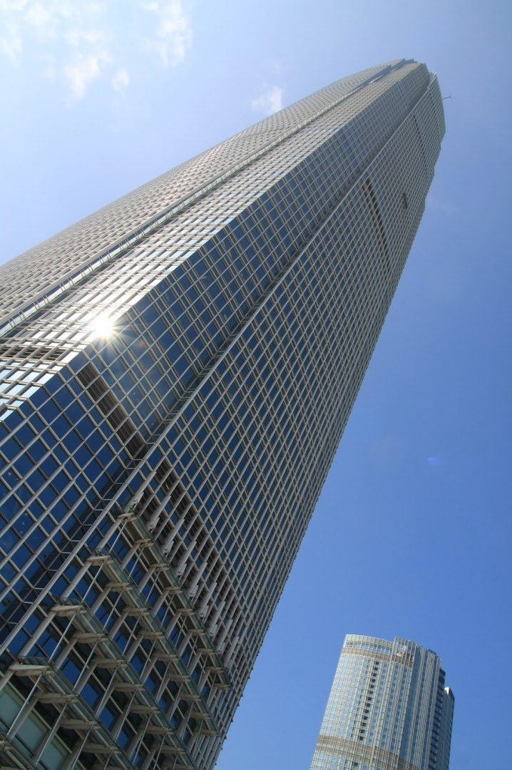 The IFC tower, 415m
