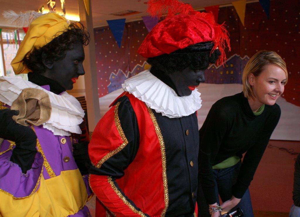 Sinter Klaas in de speeltuin 28-11-2009 - PICT6769
