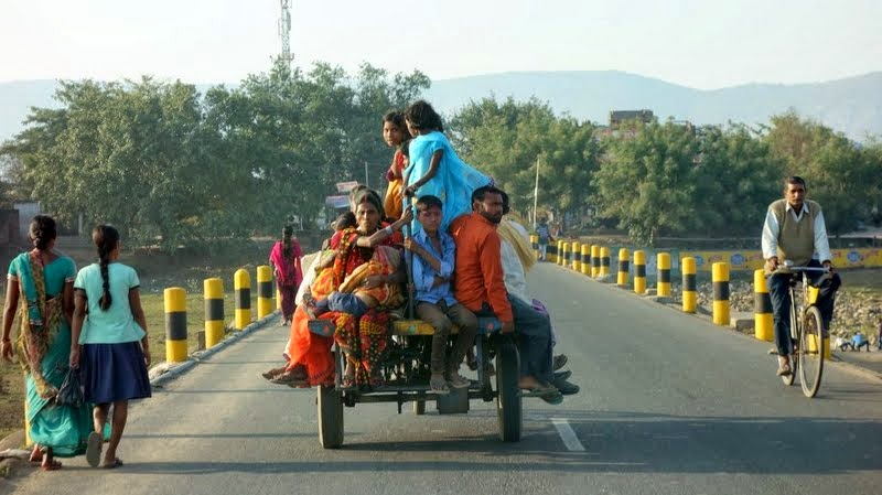 View from car while driving to Nalanda, Bihar, India, February 2014. Photo by Ven. Roger Kunsang.