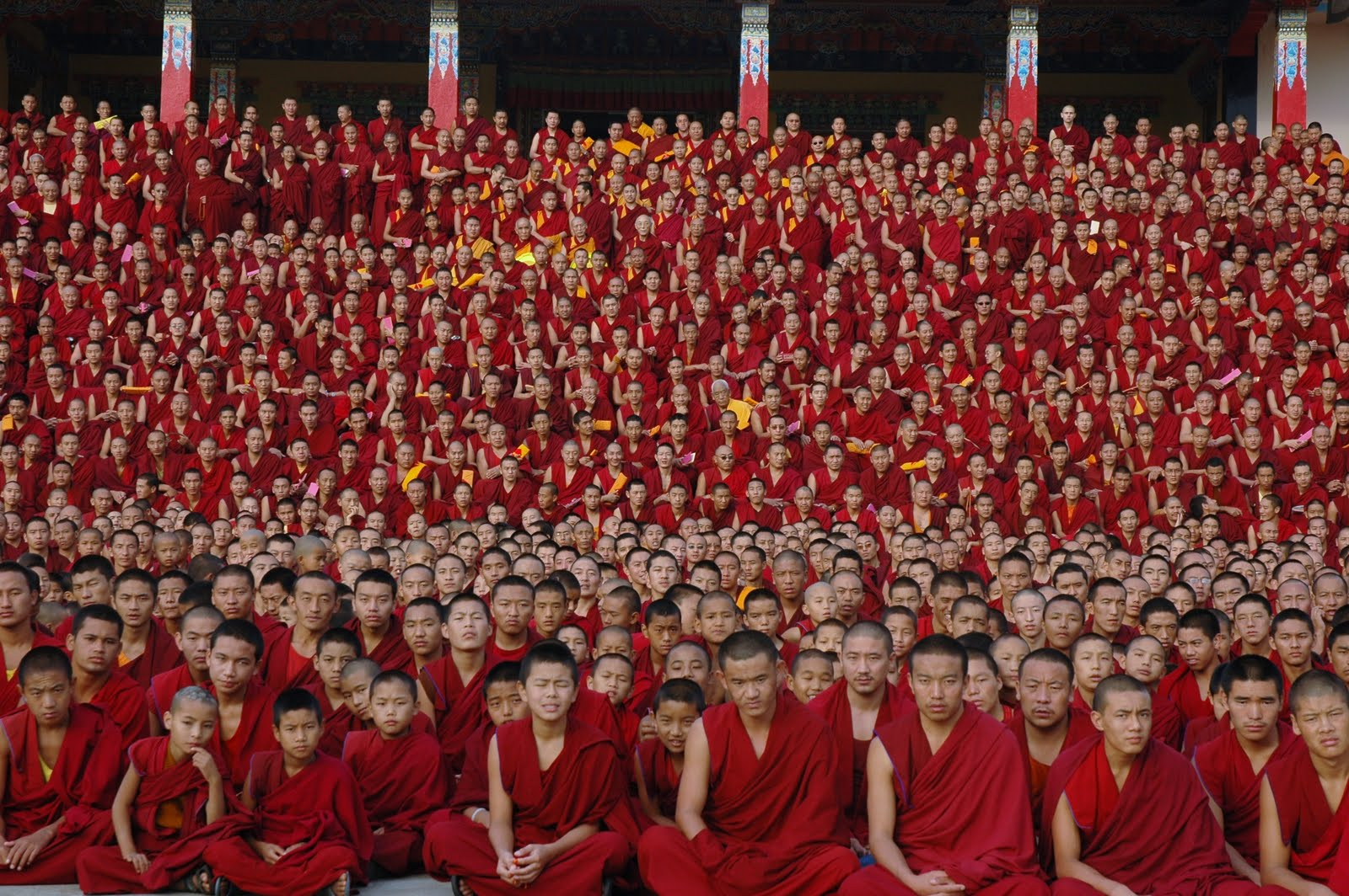Some of the 2600 monks of Sera Je Monastery