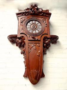Настенные часы в стиле Модерн. ок.1900 г. 3000 евро.