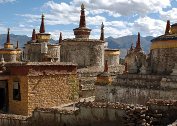 Stupas at Pembo Valley