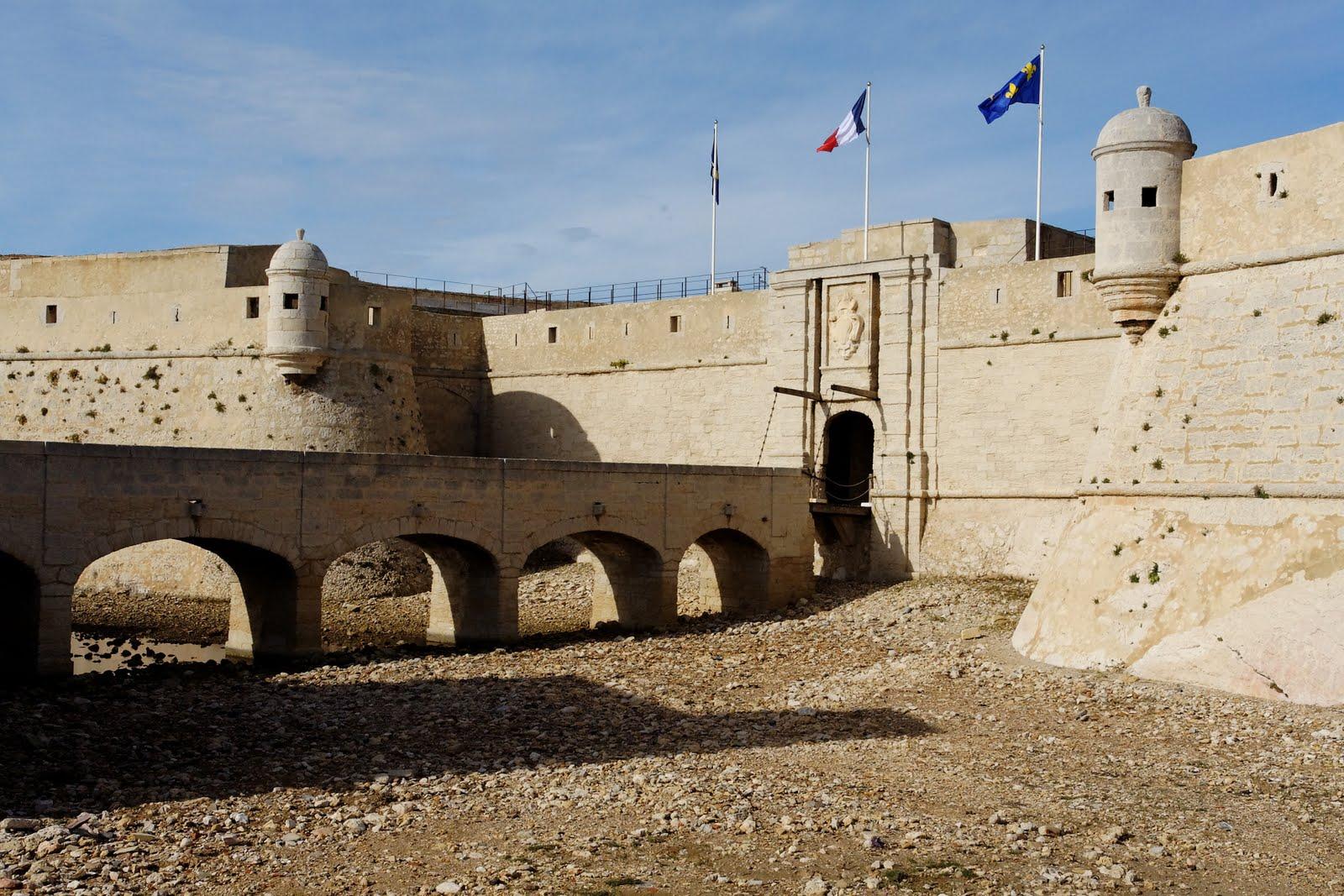 18-09 la matin Fort de Bouc