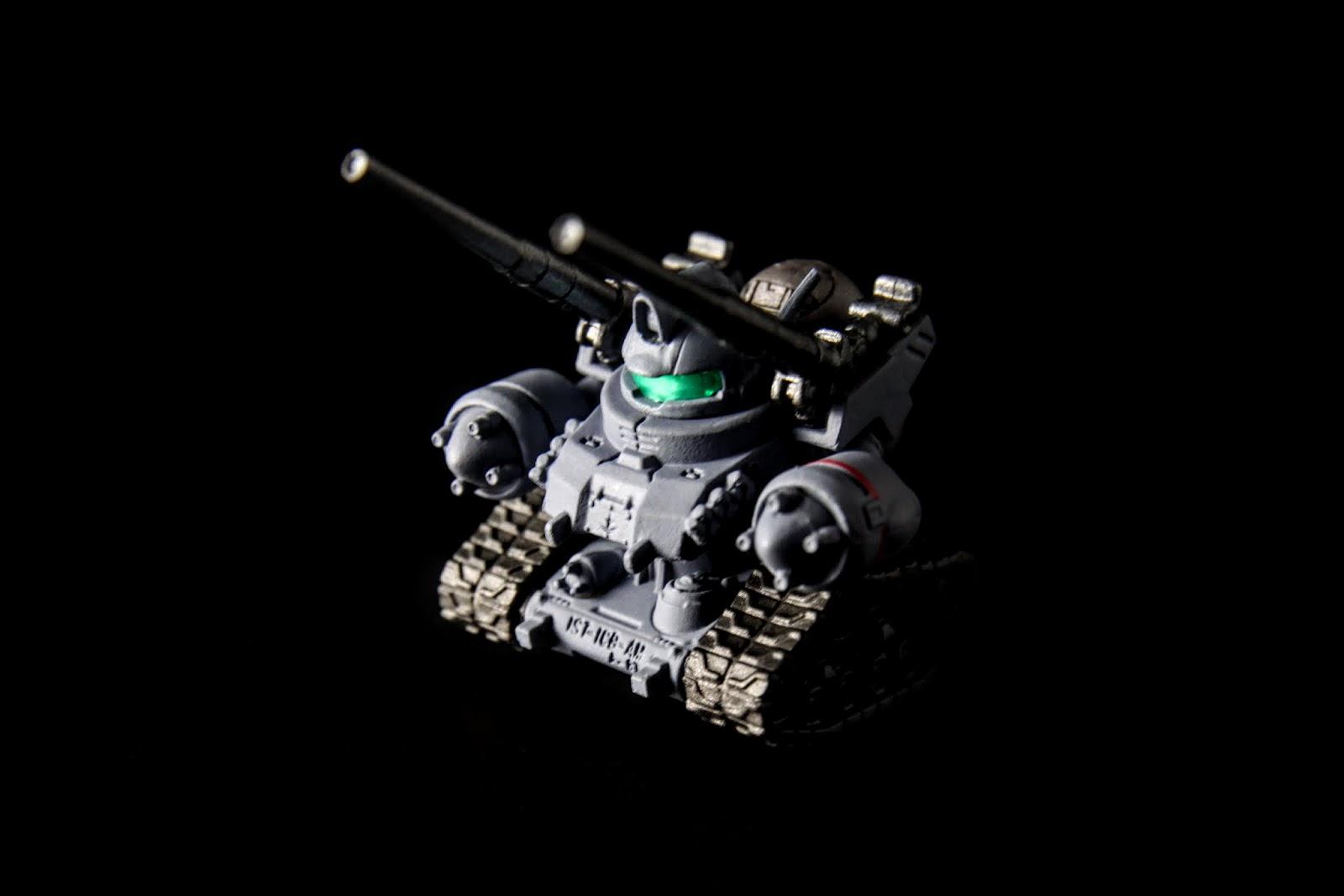 不過比原始動畫版的鋼坦克外型可愛