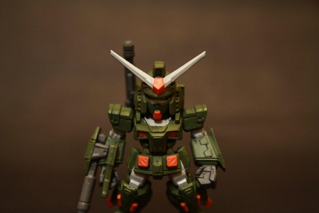 頭部與原機無異 但全身都有加裝裝甲