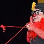 FIL ROUGE_15_La clownesse Giorgina tirant sur le fil rouge.JPG