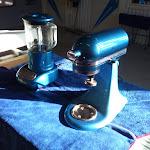 Ferdiglakkert kjøkkenmaskin og blender. Fargen er valgt av kunden i forhold til eget ønske.