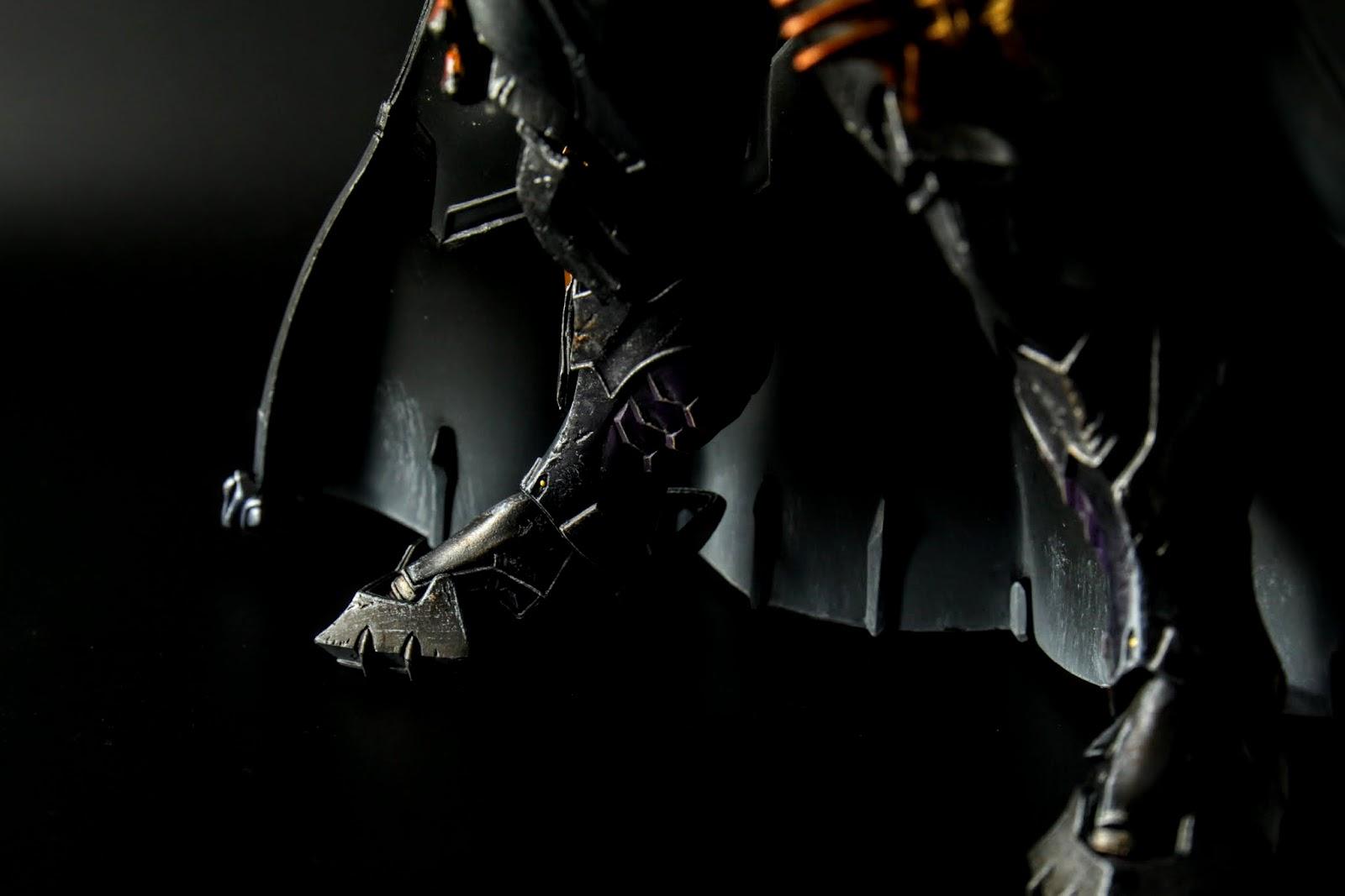 腳的鎧甲很有中古世紀歐洲騎士的味道