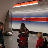 První horká stopa nás zavedla na stanici metra Ládví, ...
