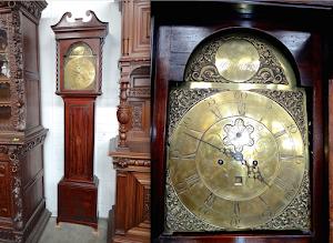 Антикварные напольные часы  из красного дерева. 18-й век. Высота 250 см. 4500 евро.