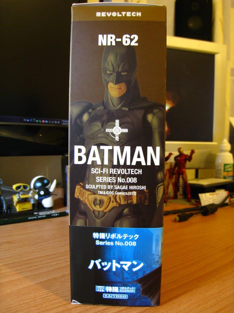 實品的樣子 下面那個日文就是蝙蝠俠的日文