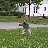 Starší - puťák: V Rožmitále p. Třemšíněm nám při přestupu zbyla i chvilka na frisbee