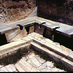 Thermes : latrines