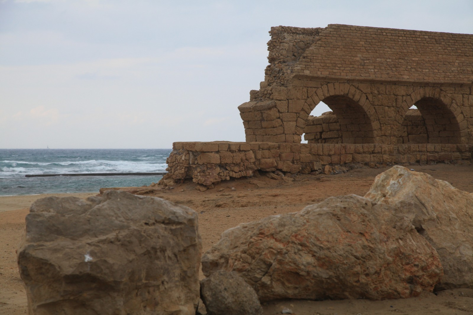 An ingenious piece of Roman technology - the aqueduct
