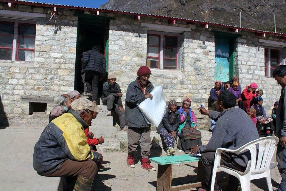 More supplies being distributed in Solu Khumbu. Photo by Charok Lama