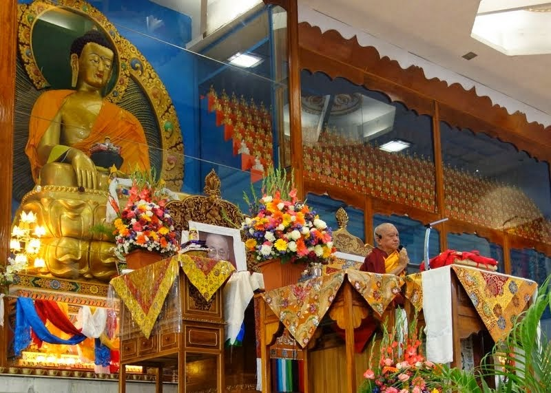 Lama Zopa Rinpoche teaching at Drati Khangsten and giving Most Secret Hayagriva lungs, Sera Je Monastic University, India, December 2013. Photo by Ven. Roger Kunsang.