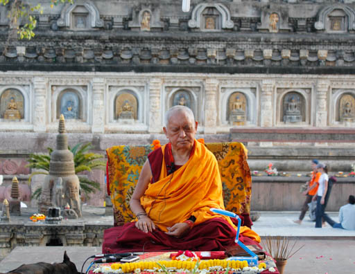 Lama Zopa Rinpoche giving oral transmission of the Vajra Cutter Sutra at Mahabodhi Stupa, Bodhgaya, India, March 2015. Photo by Ven. Losang Sherab.
