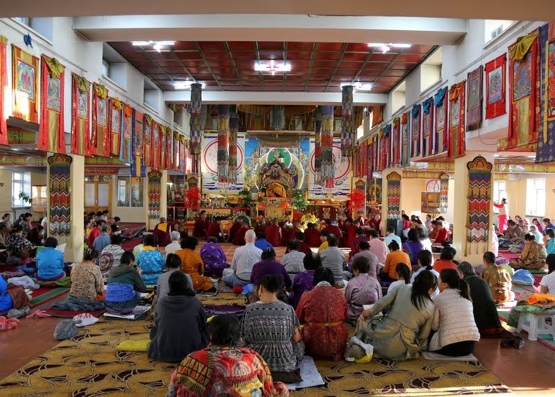Lama Zopa Rinpoche teachings at 100 million mani retreat, Idgaa Choizinling Dratsang, Ganden Monastery, Ulaanbaatar, Mongolia, August 2014. Photo by Ven. Roger Kunsang.