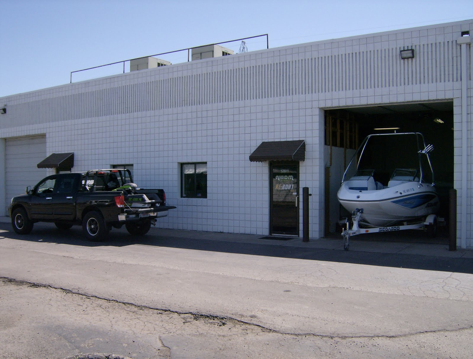 Livonia, MI Shop