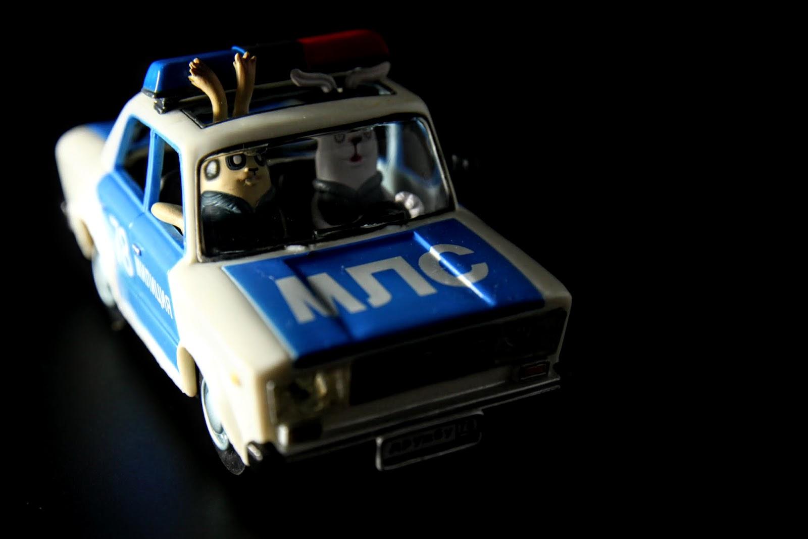 兩個衰尾警察