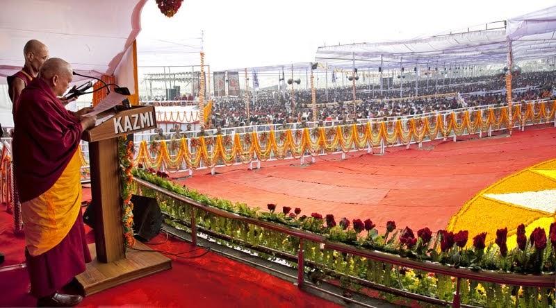 Lama Zopa Rinpoche addresses audience of 100,000, Kushinagar, India, December 13, 2013. Photo by Andy Melnic.