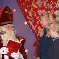 Sinter Klaas in de speeltuin 28-11-2009 - PICT6808