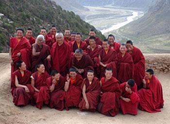 Lama Zopa with Reting Nuns