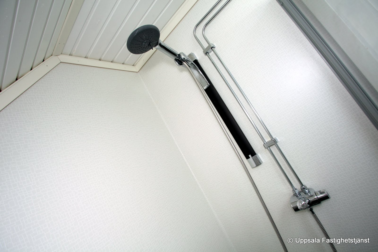 Badrum Björklinge duschhörn