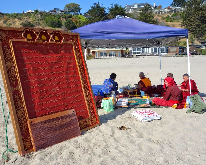 Namgyälma mantra boards and picnic on beach, California, May 2014. Photo by Ven. Roger Kunsang.