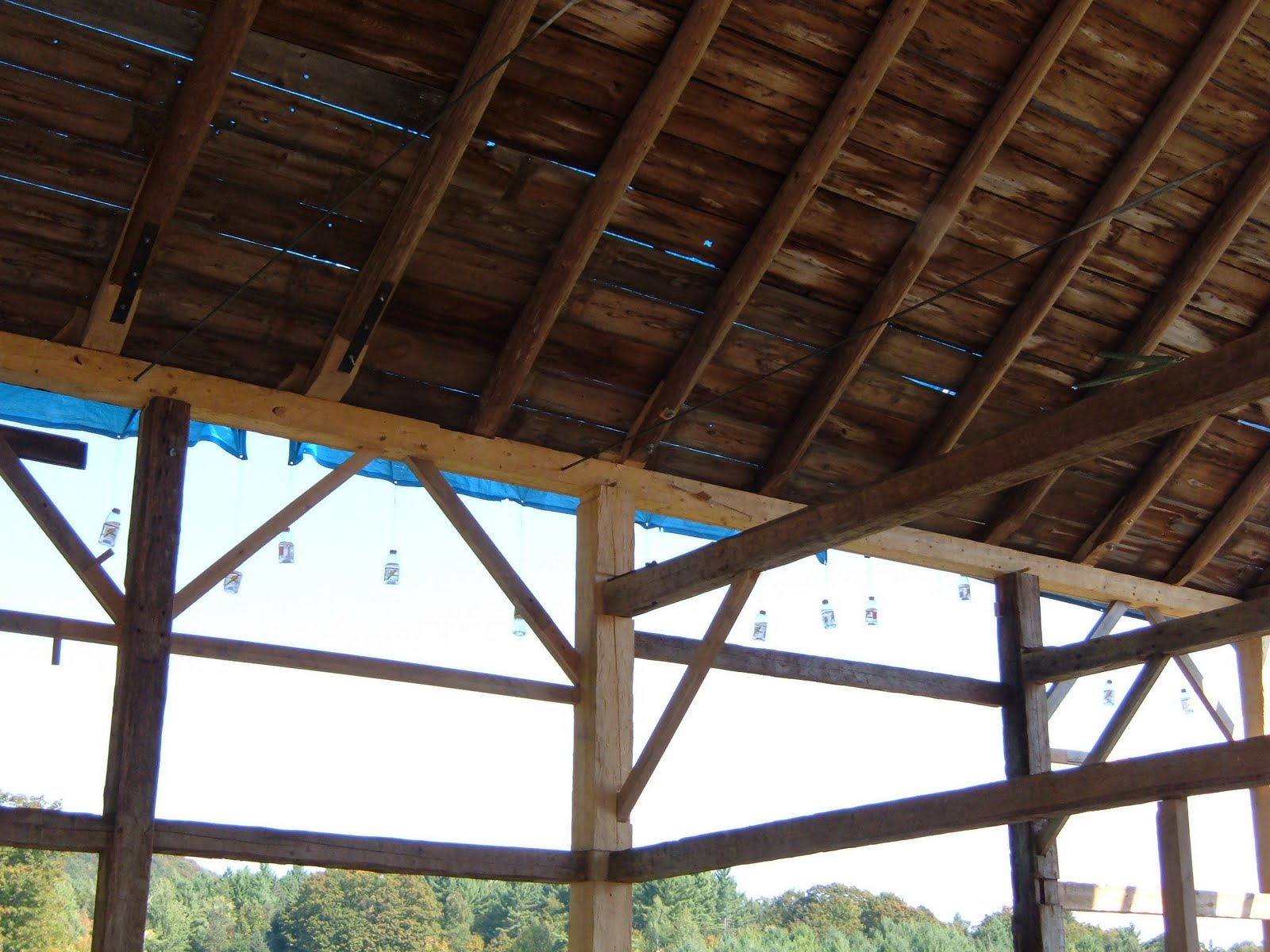 The restored eave wall is back in place and supporting the roof again.