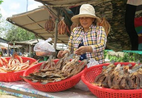 Hồ Dầu Tiếng, sớm mai ở biển Tây Ninh 3