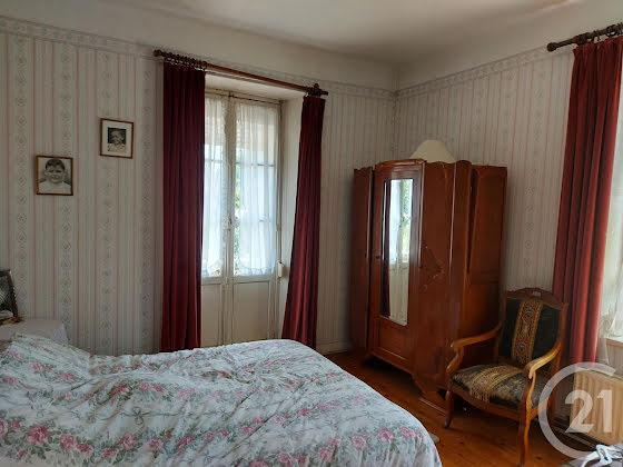 Vente maison 9 pièces 225,12 m2