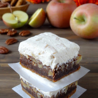 Apple Maple Pecan Cheesecake Bars