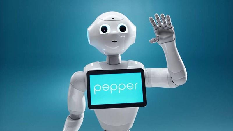 Robot chăm sóc người già - Pepper