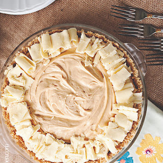 Bananas Foster White Chocolate-Peanut Butter Mousse Pie