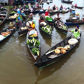Floating Market by Raja Lazuardi - Instagram & Mobile iPhone